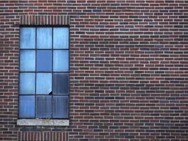 Come sostituire il vetro in una finestra Multi-Pane