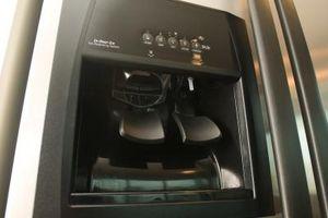 Quali sono le cause Fiocchi in un distributore di acqua in un frigorifero?