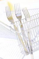 Che cosa causa le macchie sul Argenteria in lavastoviglie?