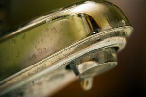 Come rimuovere i depositi di acqua minerale