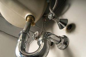 Threading Problemi con tubi di metallo del lavandino del bagno