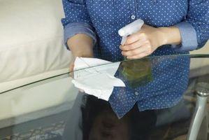 Come pulire una superficie di vetro Tavolo da pranzo