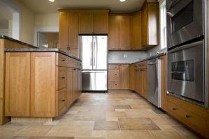 Come Shine a pavimento della cucina della casa