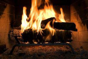 Cosa bruciare in un camino per contribuire a ridurre Cresote Buildup