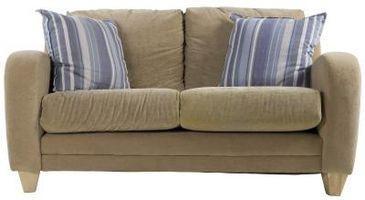 Ottenere la fuliggine fuori un divano