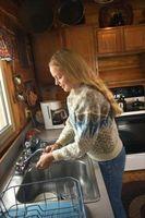 Cosa posso fare se il mio lavandino della cucina è in costante intasamento?