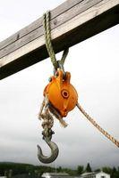 Le tecniche per sollevare e abbassare un individuo con una corda e puleggia