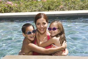 Come usare candeggina al posto di Pasticche al Cloro per piscine