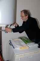 Come posso risolvere una fuoriuscita di acqua calda Resistenza nello scarico condensa?