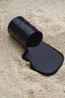 Come pulire olio, muffa Su un tappeto all'aperto intorno ad una piscina