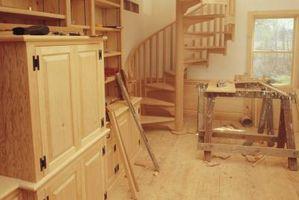 Come pulire Incompiuti armadi in legno Con Pine-Sol