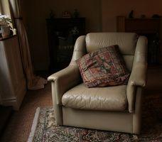 Come rimuovere vernice da un sedile in pelle