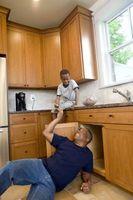 Come installare una linea d'acqua della cucina ha spento Valve