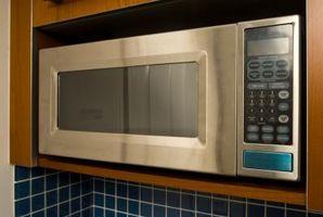 Che cosa automatica Sbrinamento su un forno a microonde Do?