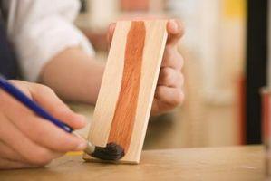 Come rimuovere finitura legno Dalle Mani