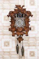 Come regolare il pendolo in un orologio di cuculo a mantenere in perfetta Tempo