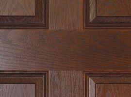 Come costruire una porta a battente in legno