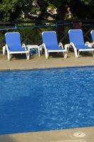 Come faccio a capire Quanto cloro per mescolare il volume di acqua in una piscina?