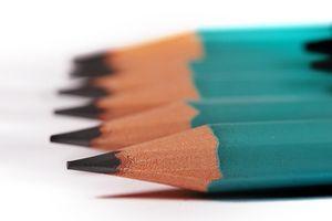 Come rimuovere il piombo matita dal legno grezzo