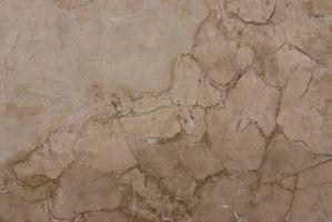 Come riparare gesso pareti prima della verniciatura