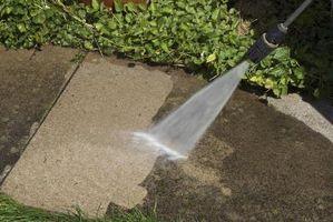 Come utilizzare acido muriatico per pulire calcestruzzo