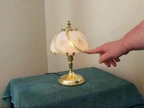 Come risolvere una lampada di tocco
