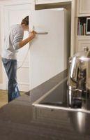 Come riparare un frigorifero Whirlpool che perde con il congelatore in alto