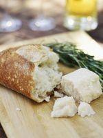 Come coltivare muffa sul pane o formaggio