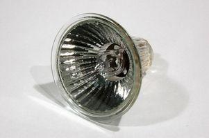 Le istruzioni per sostituire una lampadina alogena