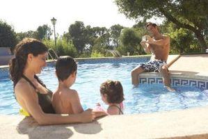 Quanto cloro candeggina per uso in piscine?