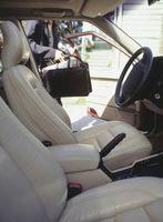 Come rimuovere inchiostro da un sedile in pelle auto