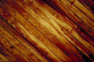 Ho bisogno di macchia di legno prima di applicare in poliuretano?