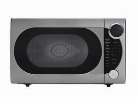 Come rimuovere la griglia porta su un forno a microonde