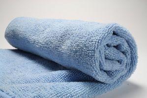 Come pulire le finestre con panni in microfibra