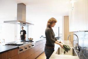 Come rimuovere un lavello da cucina spruzzatore