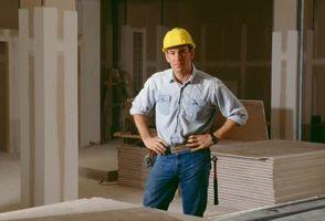 Appendere un soffitto del muro a secco sopra Scale