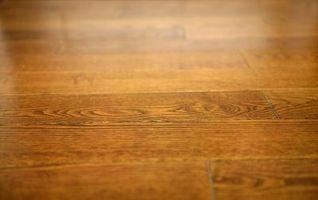Come applicare in poliuretano per pavimenti in legno senza bolle