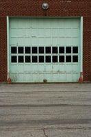 Come sostituire un garage porta basculante