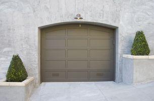 Come regolare porta del garage Cable Springs
