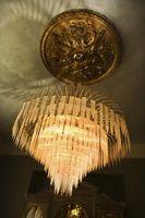 Come pulire un lampadario con ammoniaca o candeggina