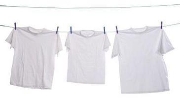 Come rimuovere le macchie traspirazione dal bianco camice di cotone