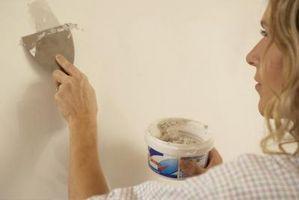 Coprendo macchie muro