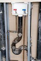 Come pulire accumulo acqua dura sulla parte esterna del Pipes