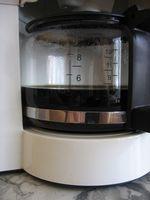 Come pulire un annerito o bruciati Coffee Pot