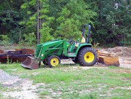 Come faccio a bypassare un interruttore posto su un John Deere 3025 Lawn Tractor?