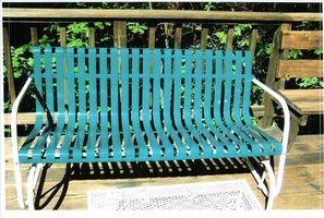 Come Refinish Mobilio per l'esterno con un rivestimento in polvere