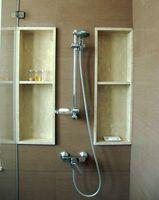Come risolvere uno stelo del rubinetto che perde acqua calda in una doccia