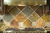 Come installare Ceramic Tile Backsplash