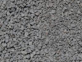 L'aggiunta di conglomerato cementizio a vialetto di ghiaia