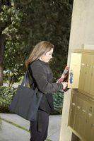 Come per allentare un buco della serratura della cassetta postale